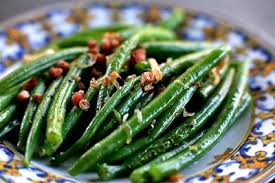 "GREEN BEANS WITH CRISPY SHALLOTS – 12"" gourmet skillet 